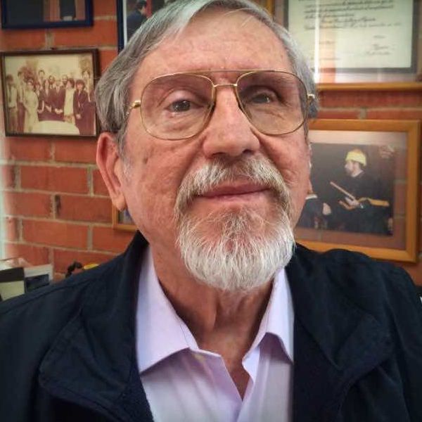 Lourival Domingos Possani Postay